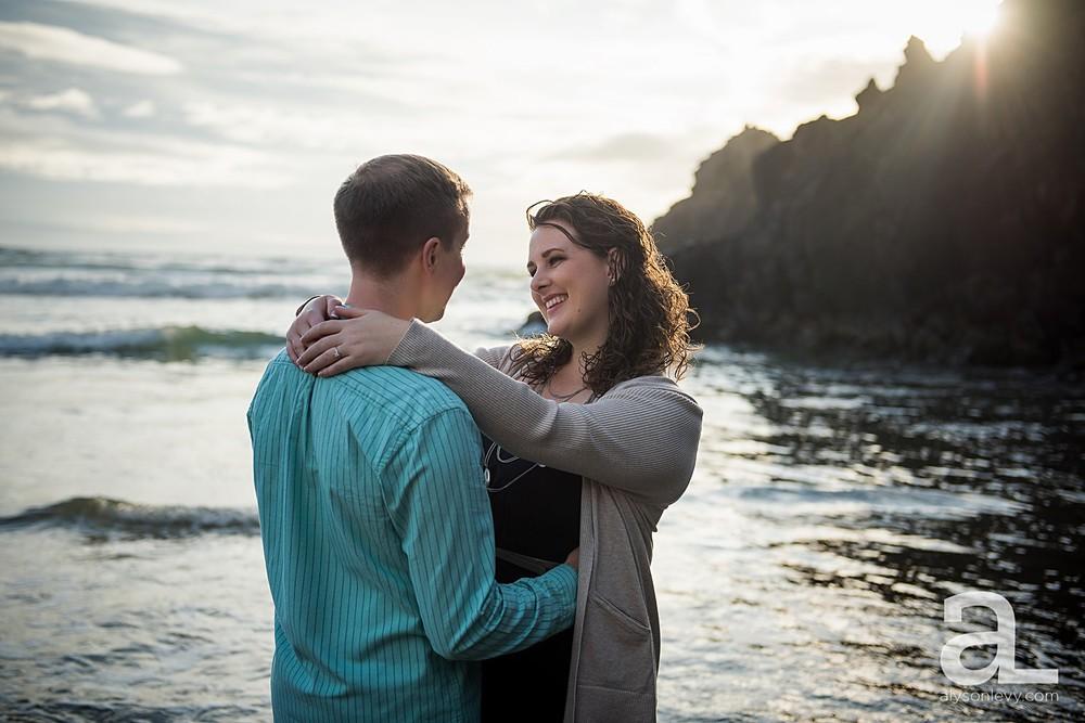 Oregon-Coast-Engagement-Photography_0011.jpg