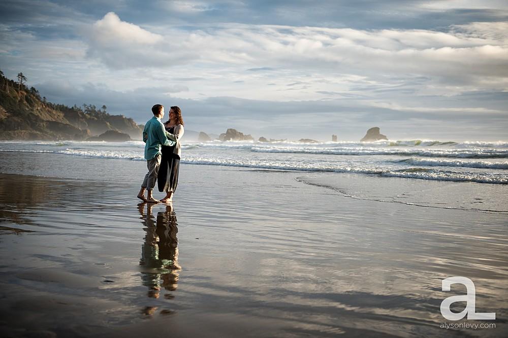 Oregon-Coast-Engagement-Photography_0013.jpg