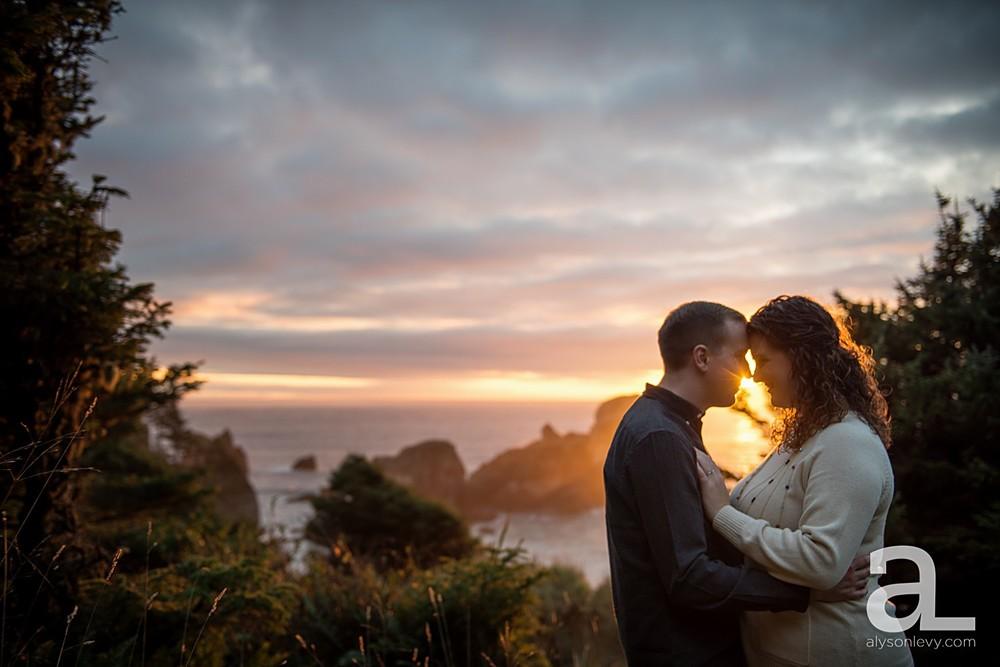 Oregon-Coast-Engagement-Photography_0020.jpg