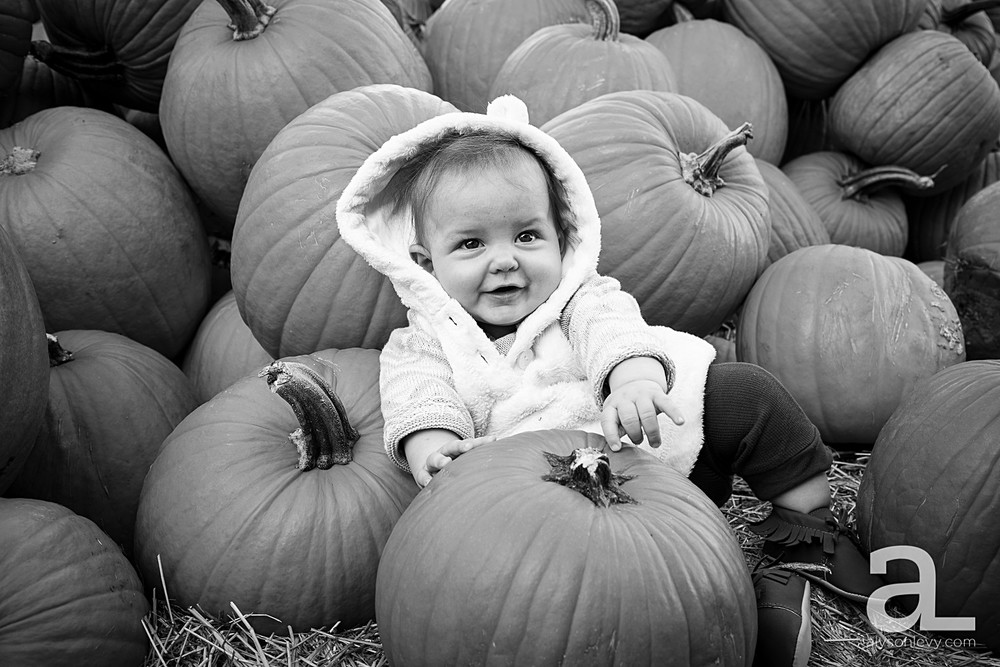 Sauvie-Island-Pumpkin-Patch-Family-Photography_0015.jpg