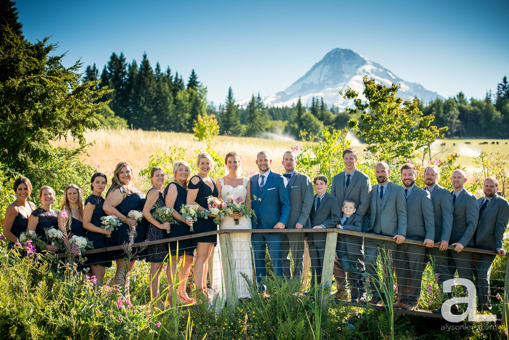 Mt-Hood-Bed-and-Breakfast-Bridal-Party-001.jpg