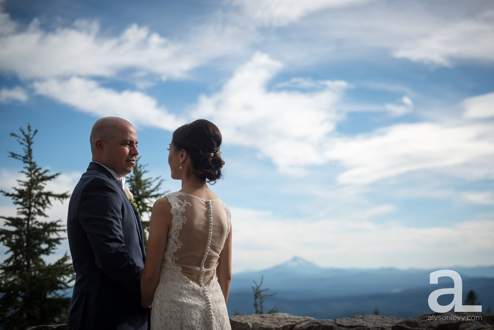 Timberline-Lodge-Wedding-Photography_0020.jpg