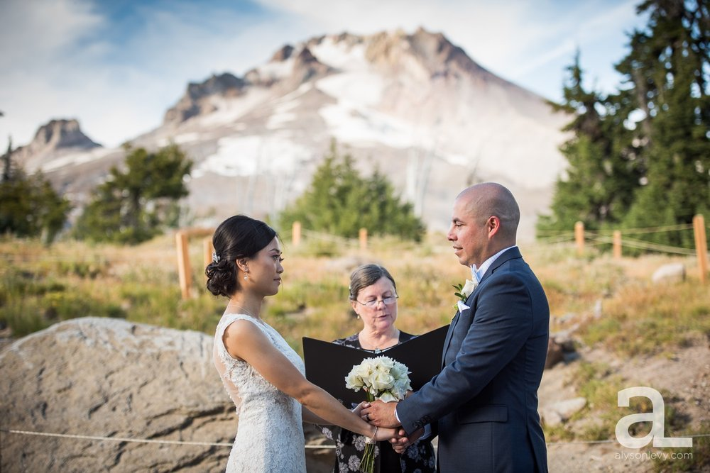 Timberline-Lodge-Wedding-Photography_0026.jpg