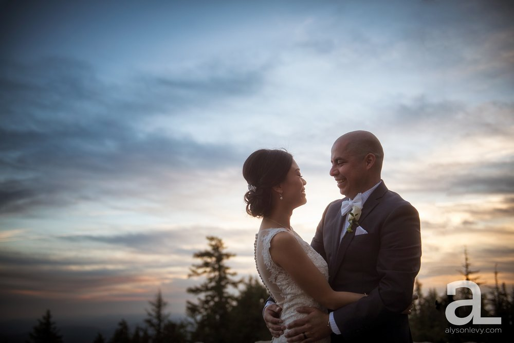 Timberline-Lodge-Wedding-Photography_0043.jpg