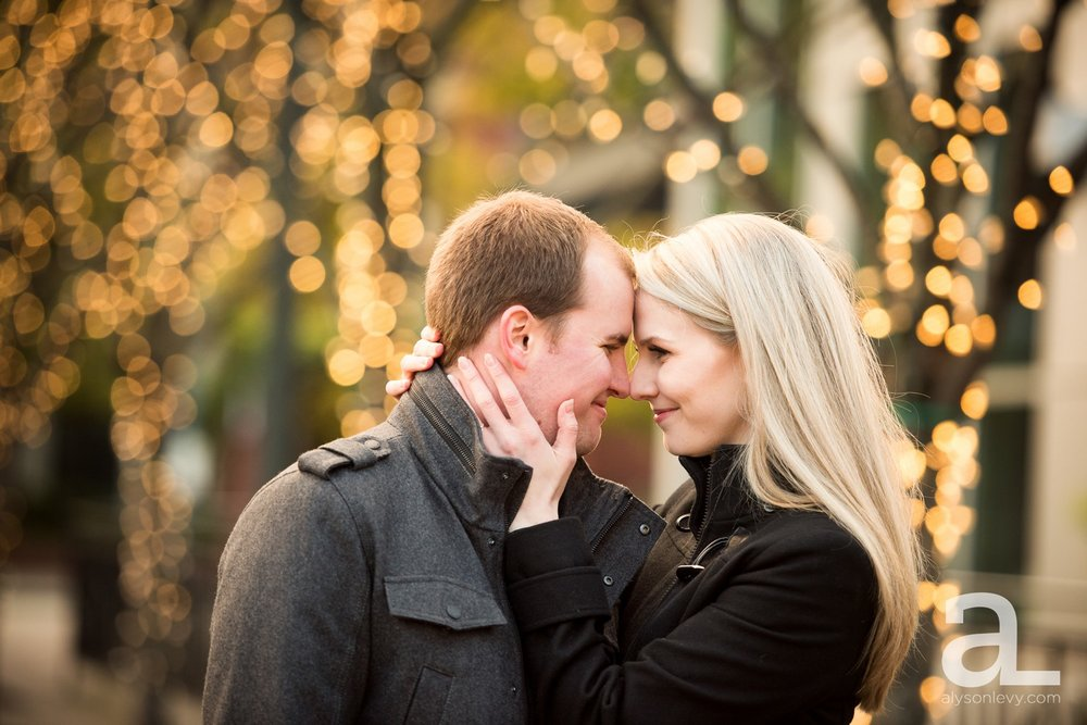 Downtown-Portland-Oregon-Engagement-Session_0001.jpg