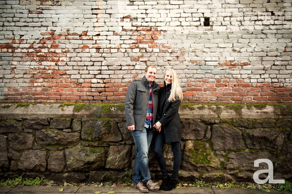 Downtown-Portland-Oregon-Engagement-Session_0010.jpg