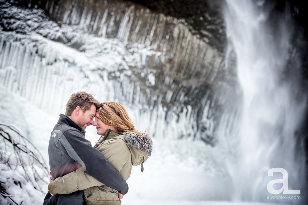 Portland-Winter-Engagement-Photography_0002.jpg