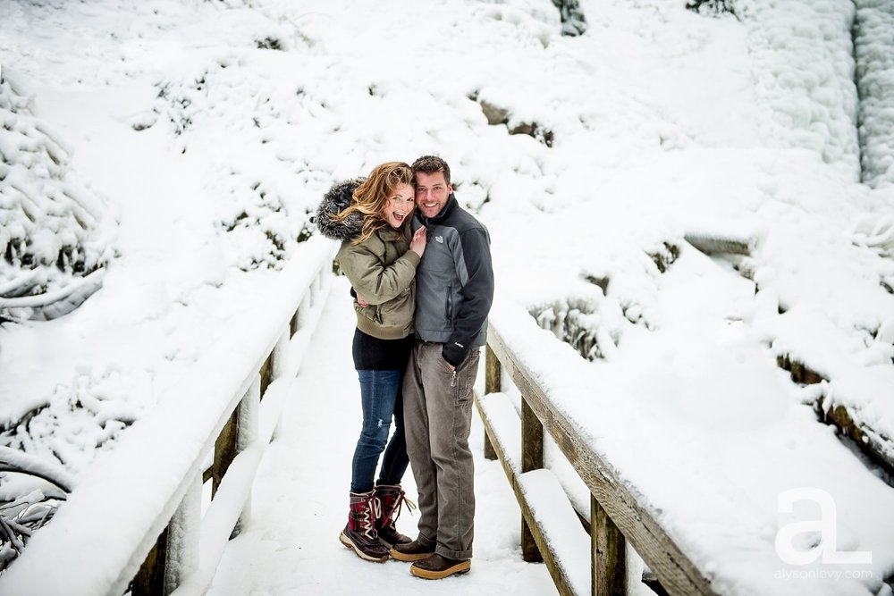 Portland-Winter-Engagement-Photography_0006.jpg