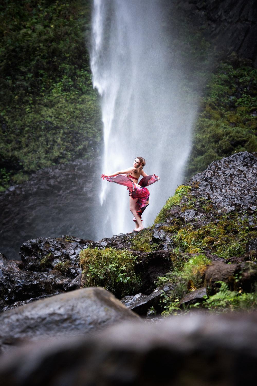 Portland-Bellydance-Photography-La-Tourell-Falls-002.jpg