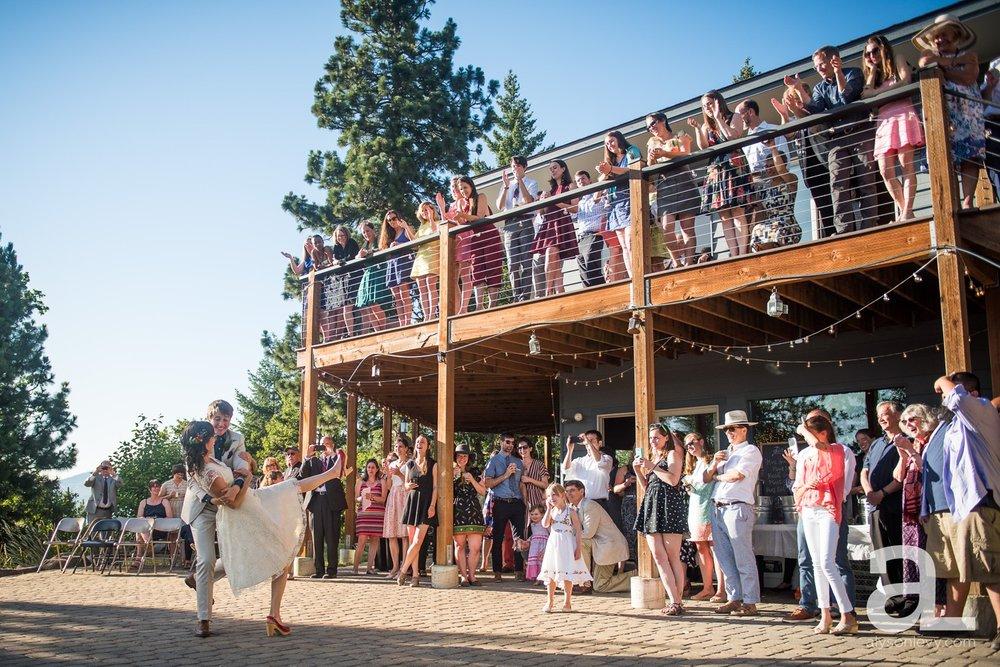 Mt-Hood-Oregon-Wedding-Photography-Crag-Rat-Hut-Hood-River_0069.jpg
