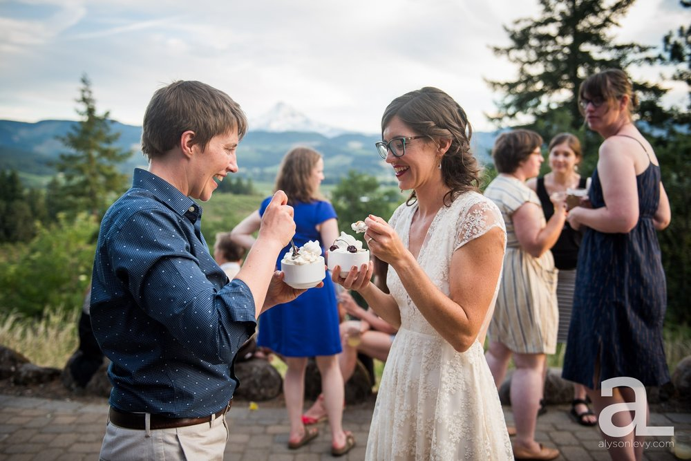 Mt-Hood-Oregon-Wedding-Photography-Crag-Rat-Hut-Hood-River_0091.jpg