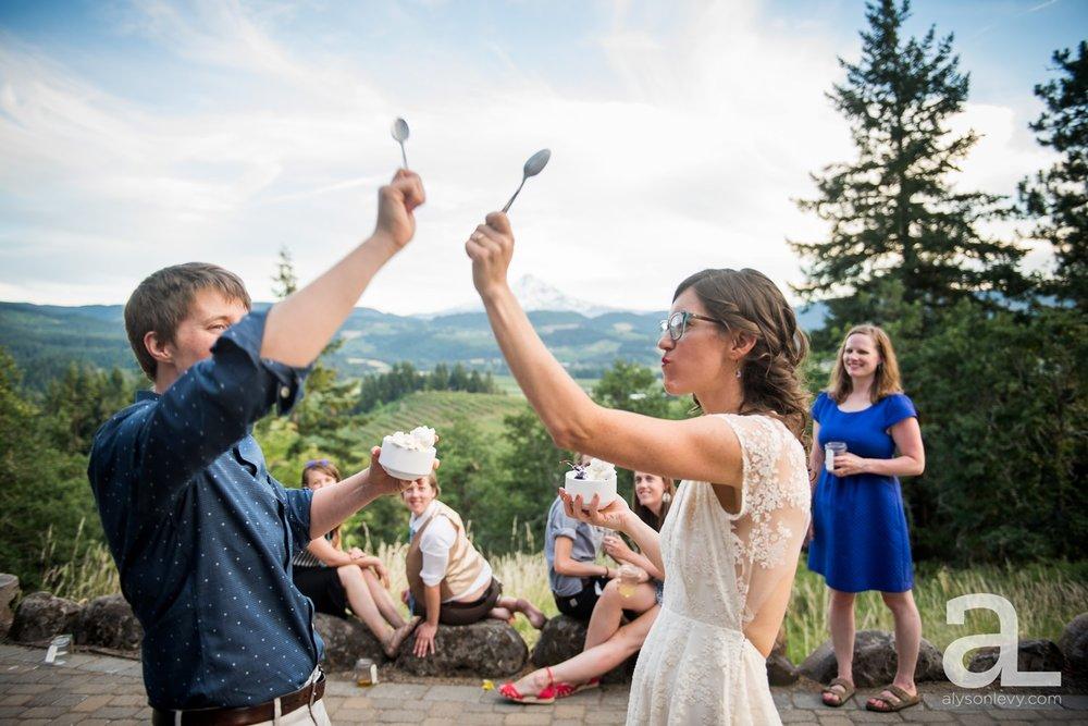 Mt-Hood-Oregon-Wedding-Photography-Crag-Rat-Hut-Hood-River_0093.jpg