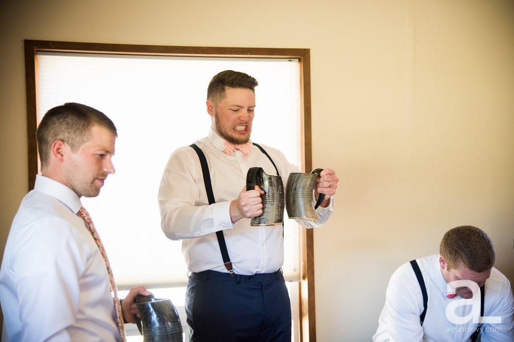 Tin-Roof-Barn-Wedding-Photography-White-Salmon-Washington_0015.jpg