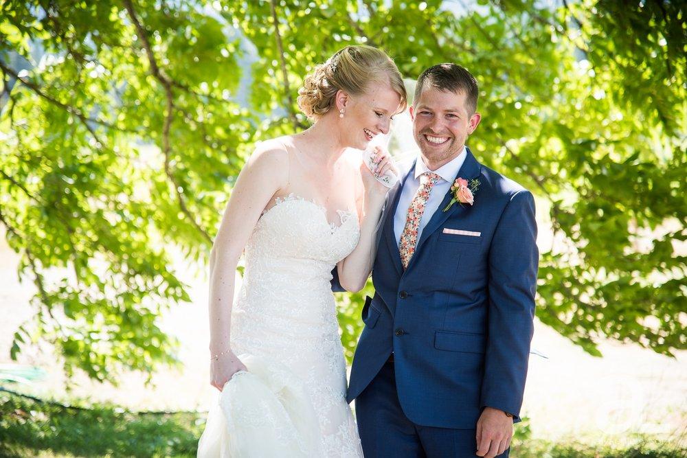 Tin-Roof-Barn-Wedding-Photography-White-Salmon-Washington_0028.jpg