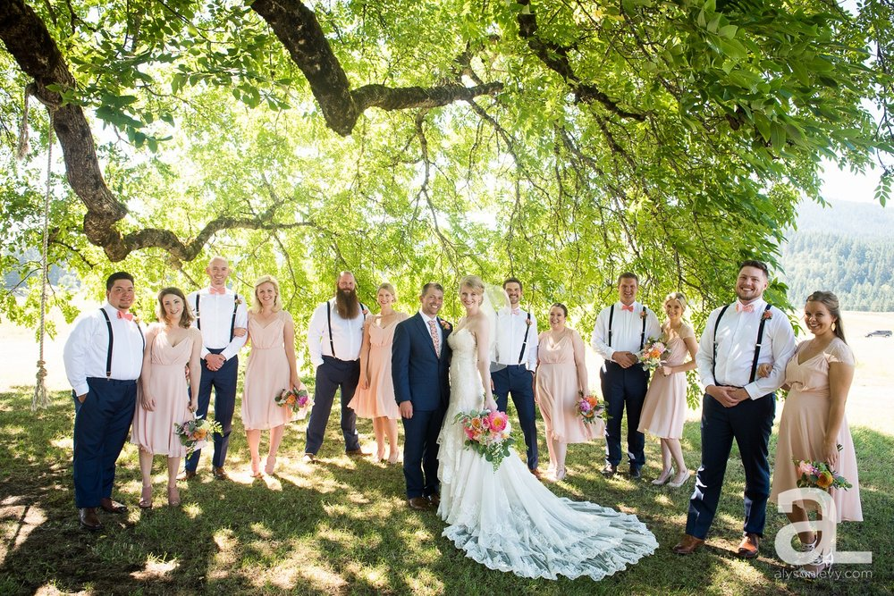 Tin-Roof-Barn-Wedding-Photography-White-Salmon-Washington_0038.jpg
