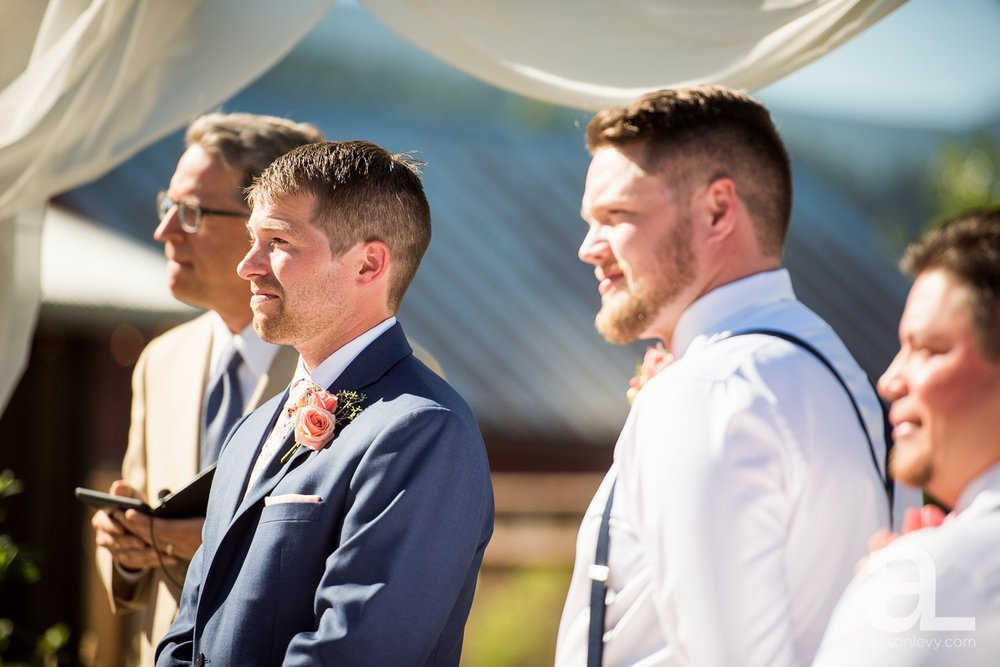 Tin-Roof-Barn-Wedding-Photography-White-Salmon-Washington_0059.jpg