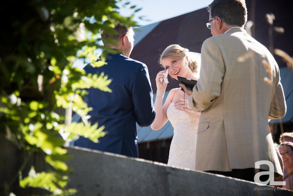 Tin-Roof-Barn-Wedding-Photography-White-Salmon-Washington_0072.jpg