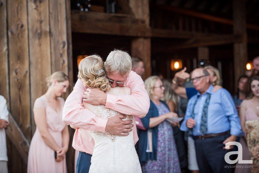 Tin-Roof-Barn-Wedding-Photography-White-Salmon-Washington_0106.jpg