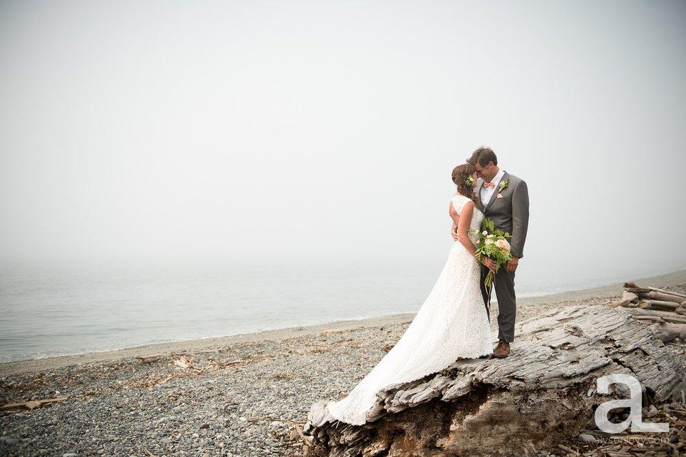 Whidbey-Island-Wedding-Photography-Old-Crockett-Barn_0036.jpg