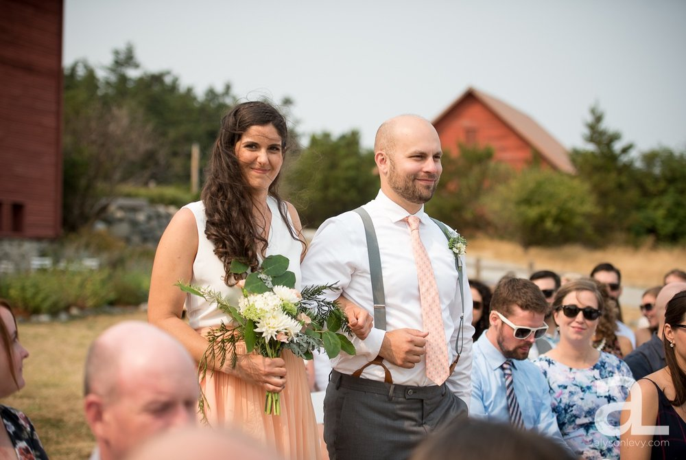 Whidbey-Island-Wedding-Photography-Old-Crockett-Barn_0050.jpg