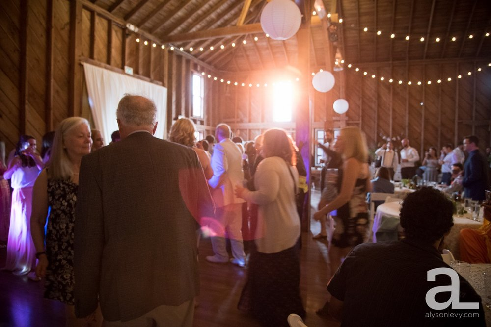 Whidbey-Island-Wedding-Photography-Old-Crockett-Barn_0125.jpg