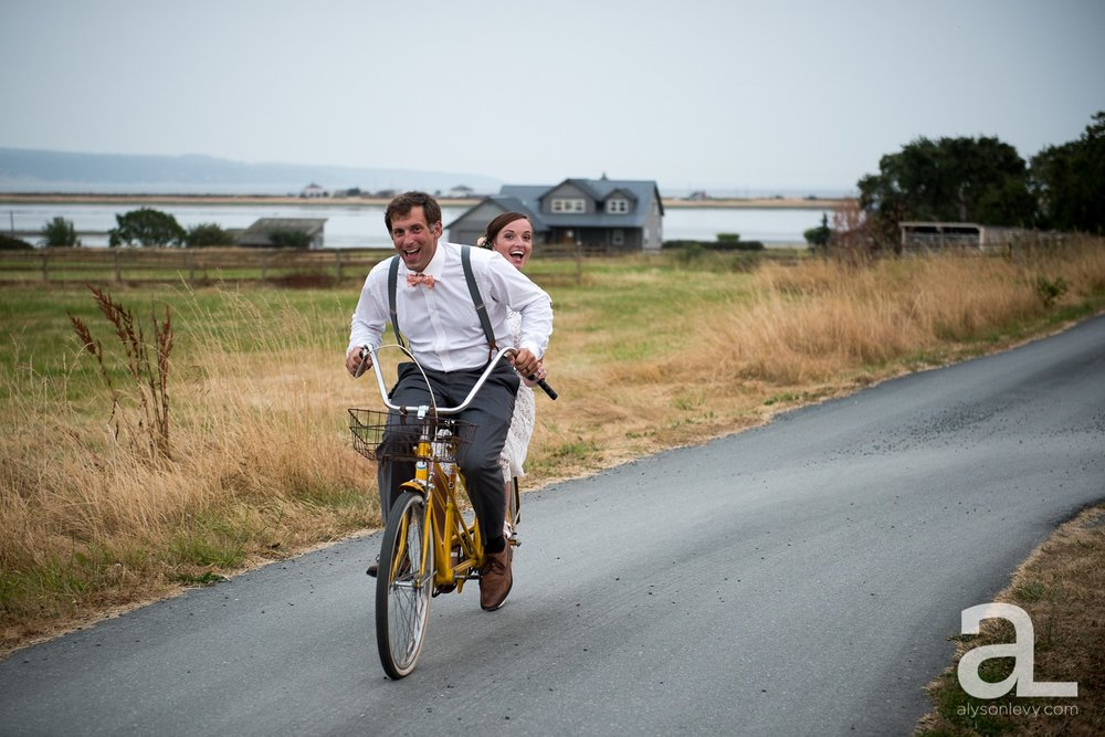 Whidbey-Island-Wedding-Photography-Old-Crockett-Barn_0135.jpg