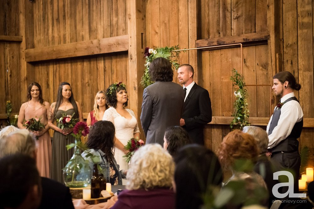 Perryhill-Farms-Oregon-Wedding-Photography_0053.jpg