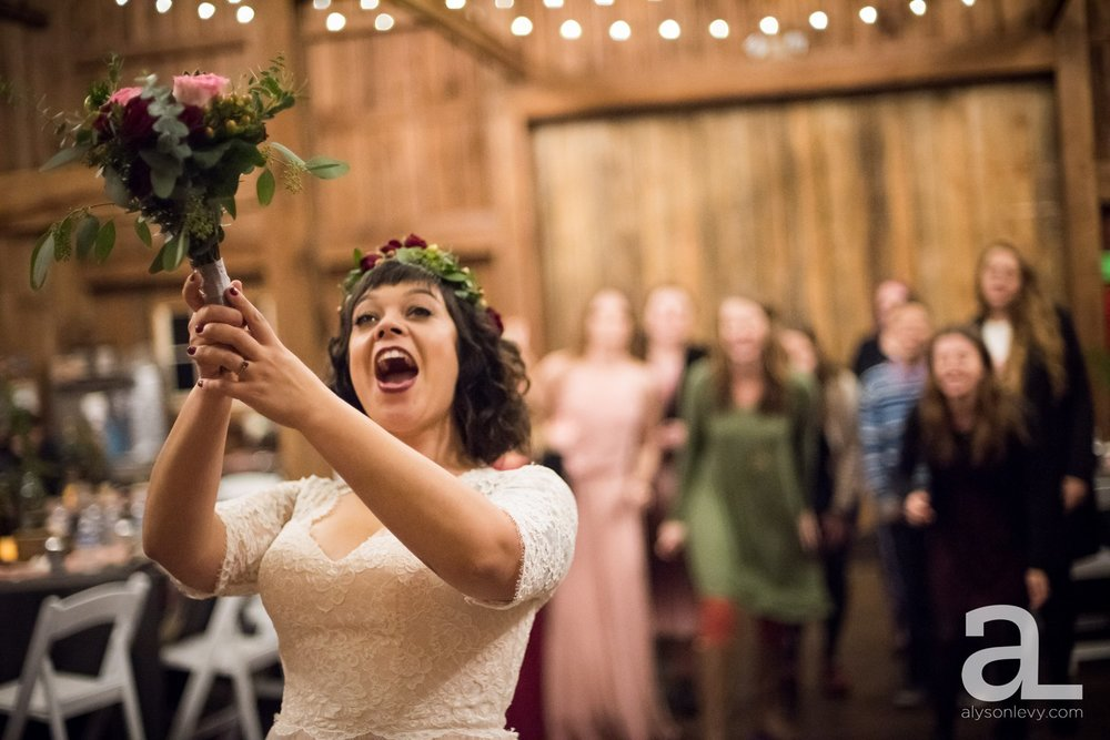 Perryhill-Farms-Oregon-Wedding-Photography_0103.jpg