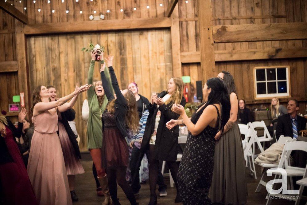 Perryhill-Farms-Oregon-Wedding-Photography_0104.jpg
