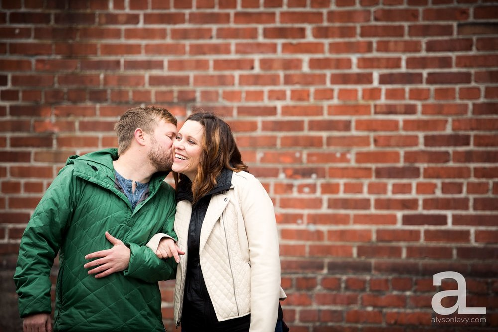 Portland-Oregon-Engagement-Photography-Eastbank-Waterfront_0009.jpg