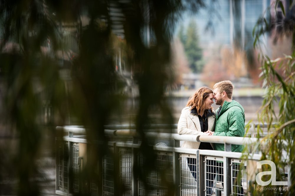 Portland-Oregon-Engagement-Photography-Eastbank-Waterfront_0013.jpg