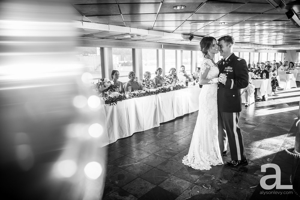 Portland-Oregon-Wedding-Photography-PortlandSpirit-Waterfront_0080.jpg