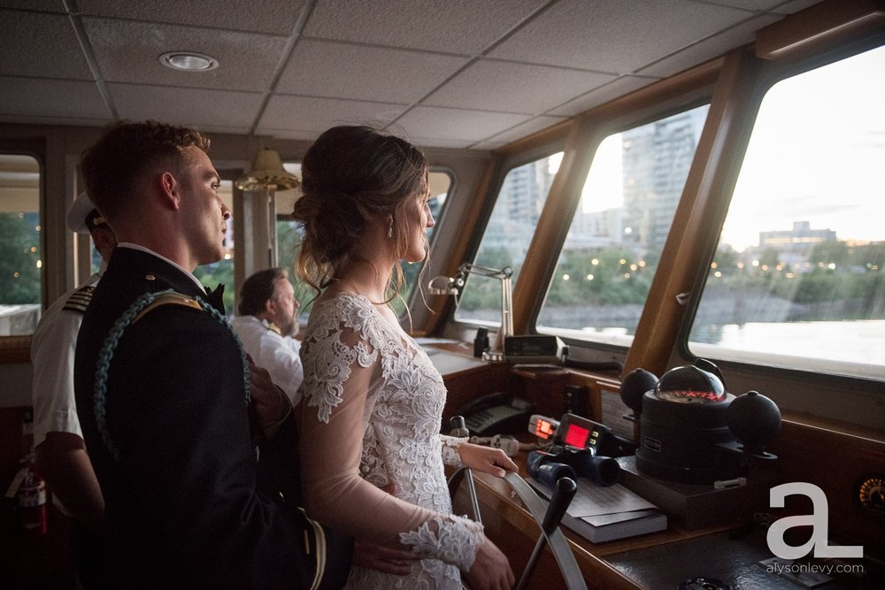 Portland-Oregon-Wedding-Photography-PortlandSpirit-Waterfront_0119.jpg