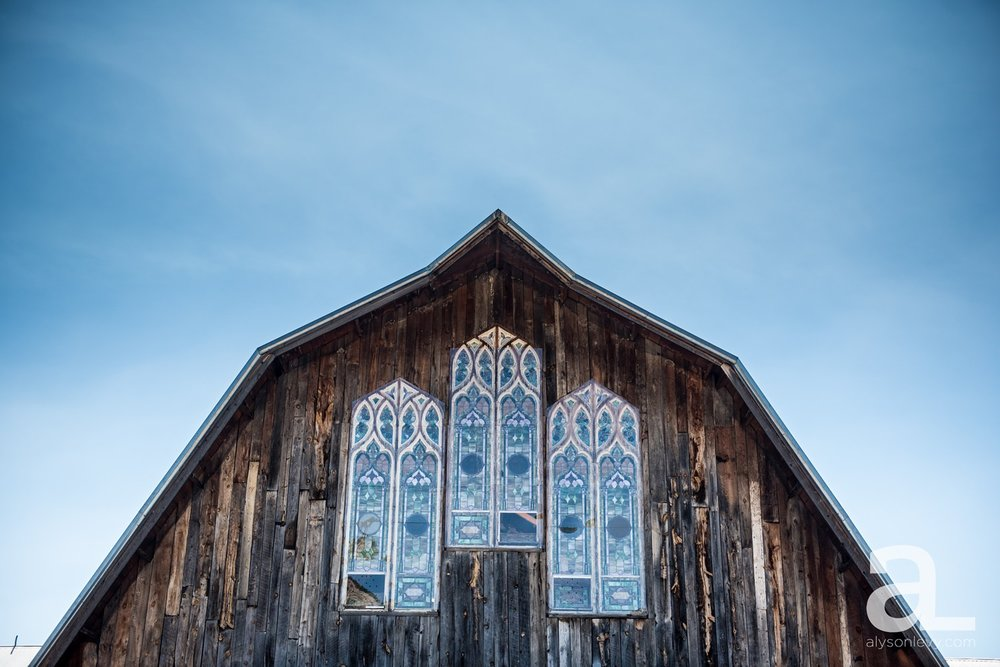 Destination-Wedding-Photography-Evergreen-Memorial-Barn_0001.jpg