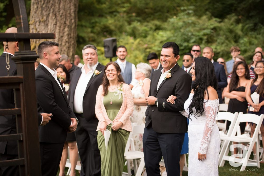 Portland-Wedding-Photography-Bridal-Veil-Lakes_0029.jpg