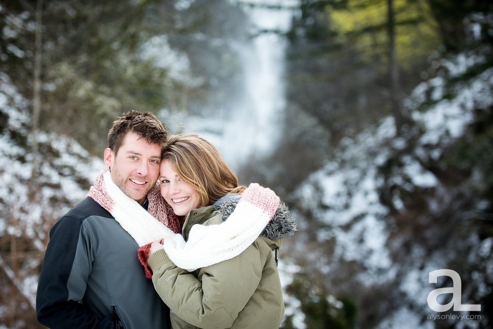 Portland-Winter-Engagement-Photography_0008.jpg