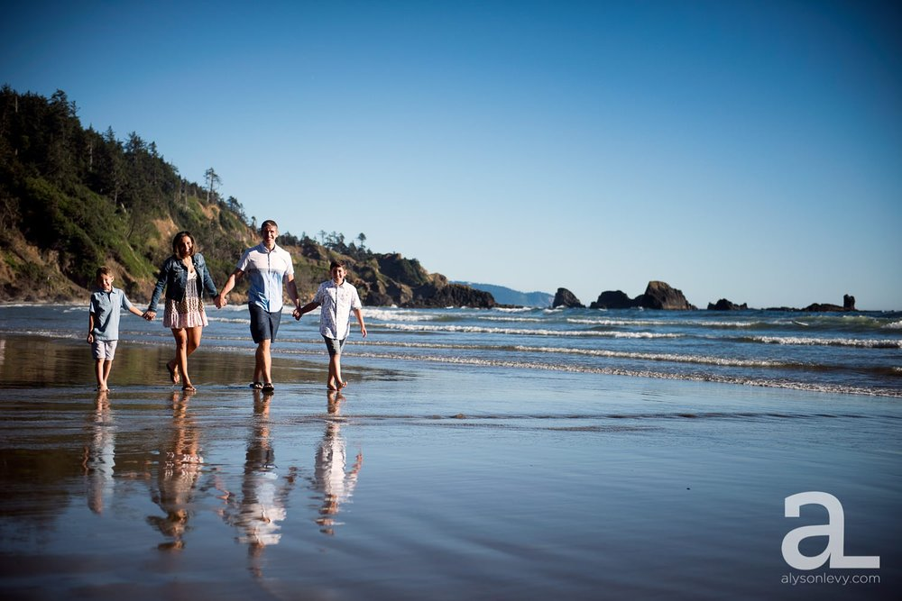 Oregon-Coast-Family-Photography_0001.jpg