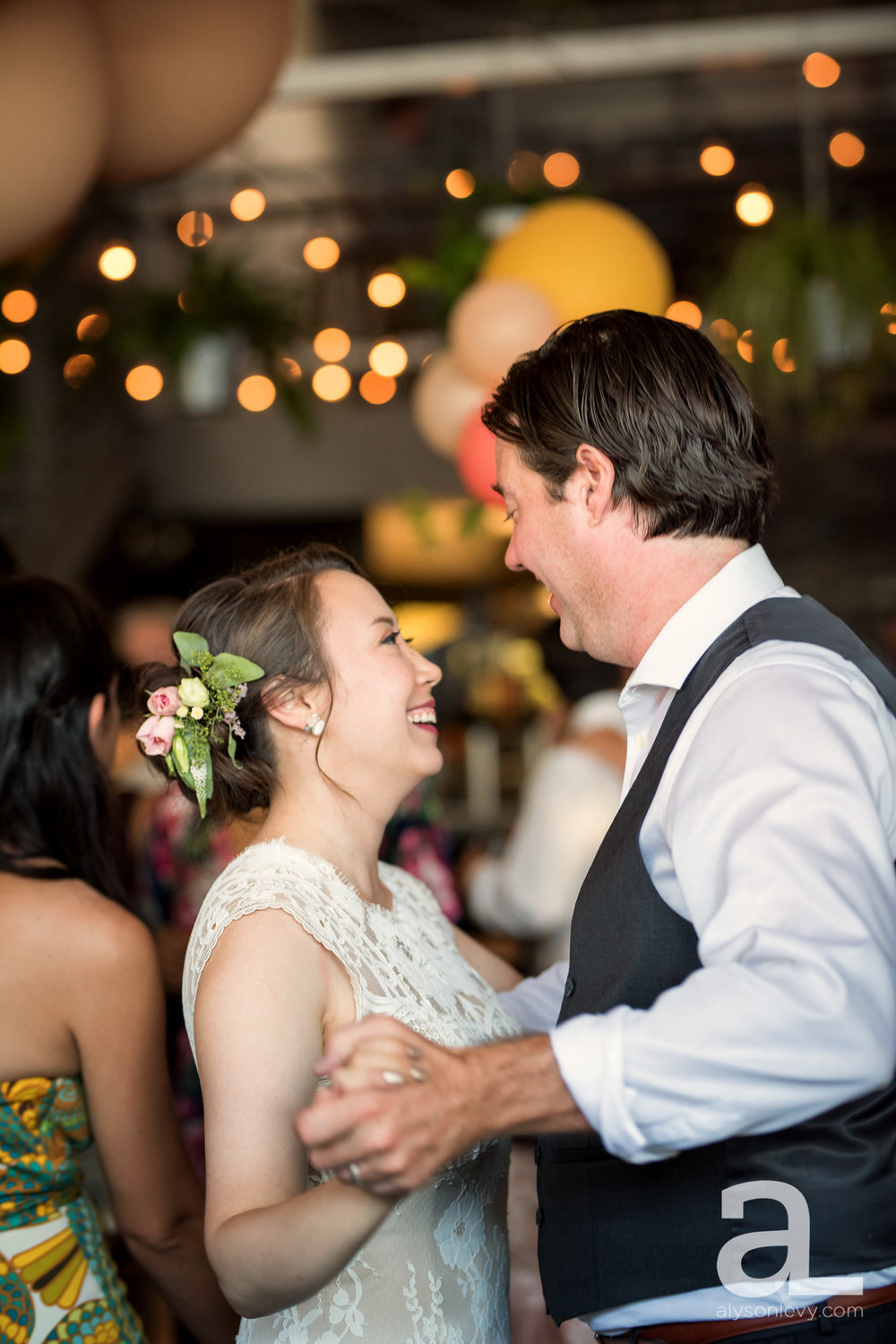 Coopers-Hall-Portland-Wedding-Photography-007.jpg