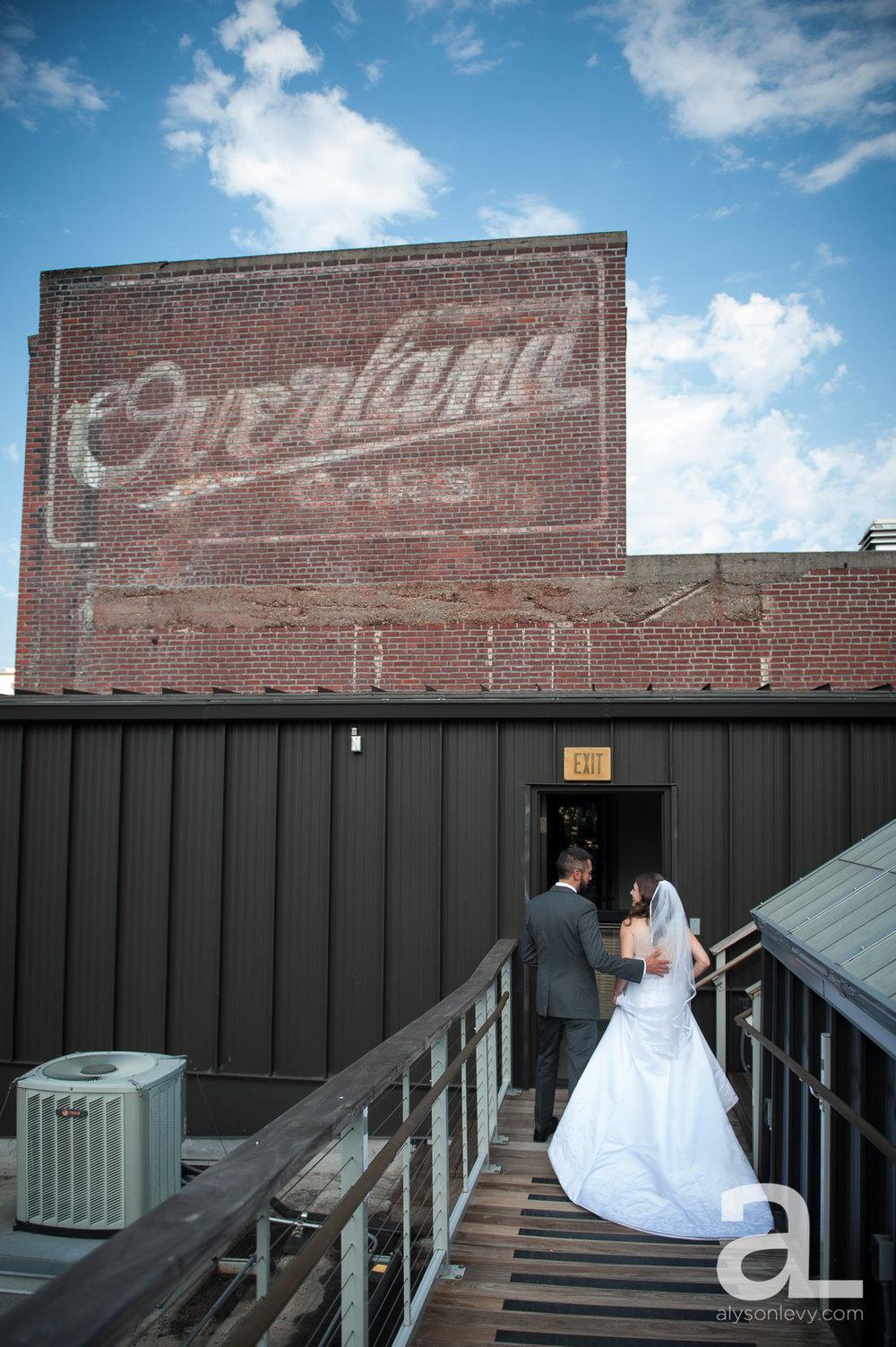 DeSoto-Rooftop-Portland-Wedding-Photography-033.jpg