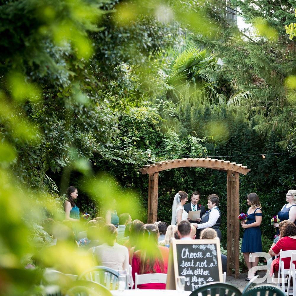 Kennedy-School-Portland-Wedding-Photography-013.jpg