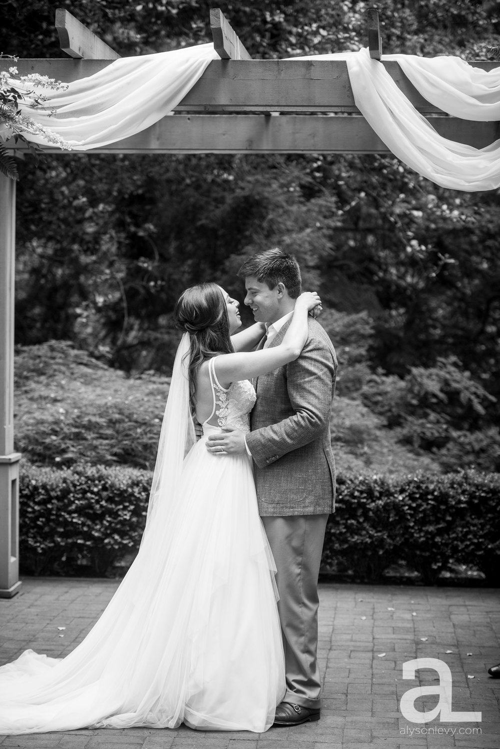 Leach-Botanical-Garden-Portland-Wedding-Photography-012.jpg