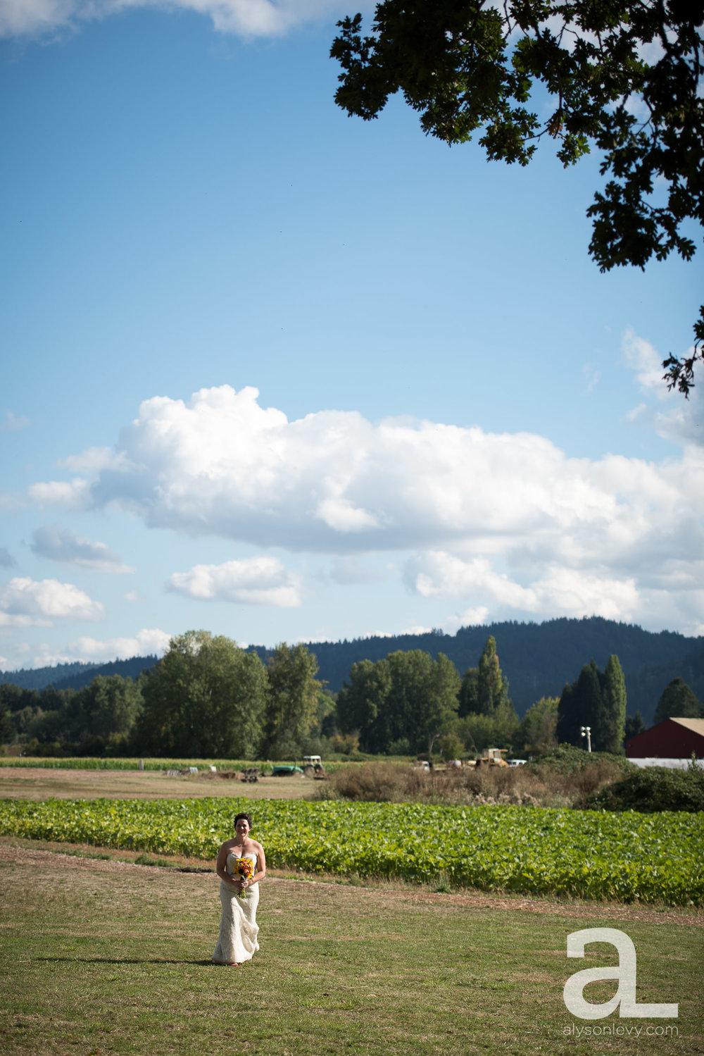 Krugers-Farm-Sauvie-Island-Wedding-Photography-003.jpg