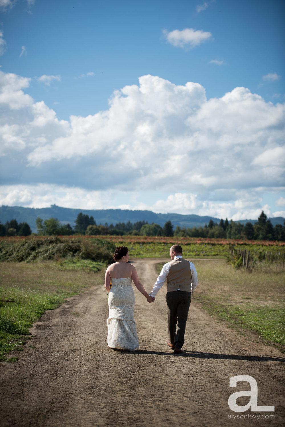 Krugers-Farm-Sauvie-Island-Wedding-Photography-006.jpg