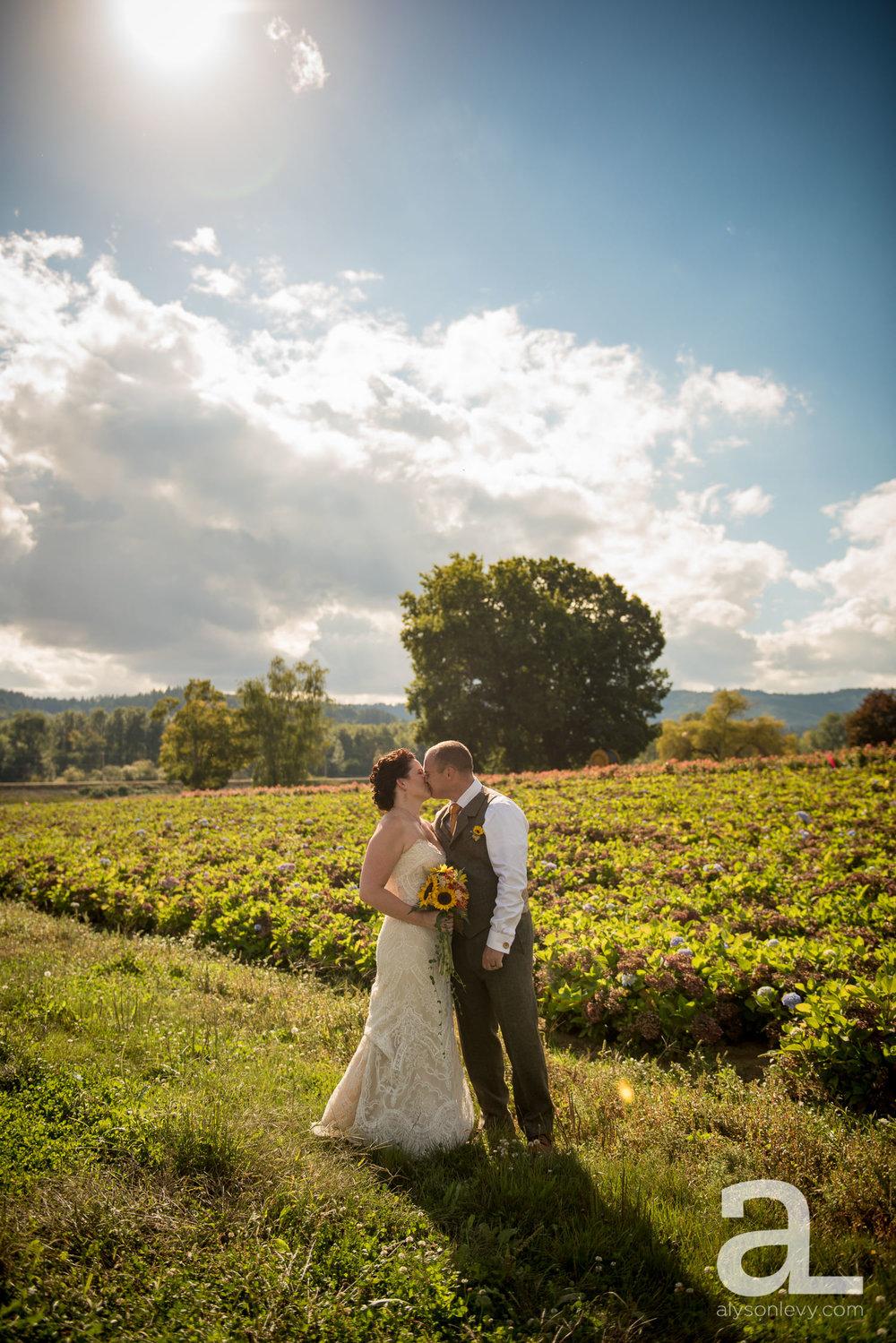 Krugers-Farm-Sauvie-Island-Wedding-Photography-007.jpg