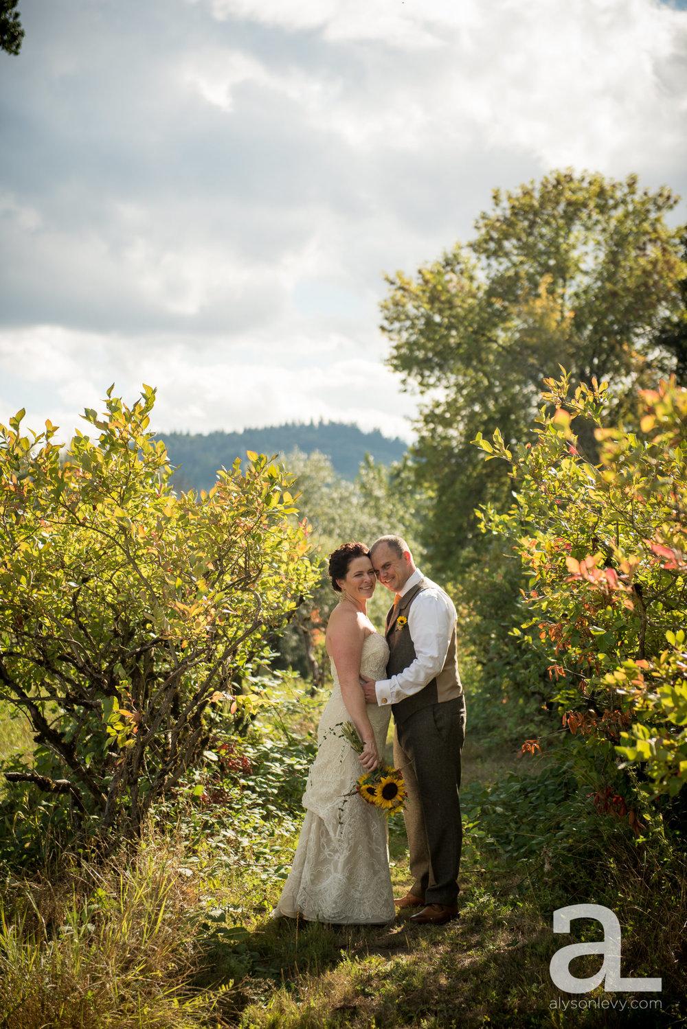 Krugers-Farm-Sauvie-Island-Wedding-Photography-008.jpg