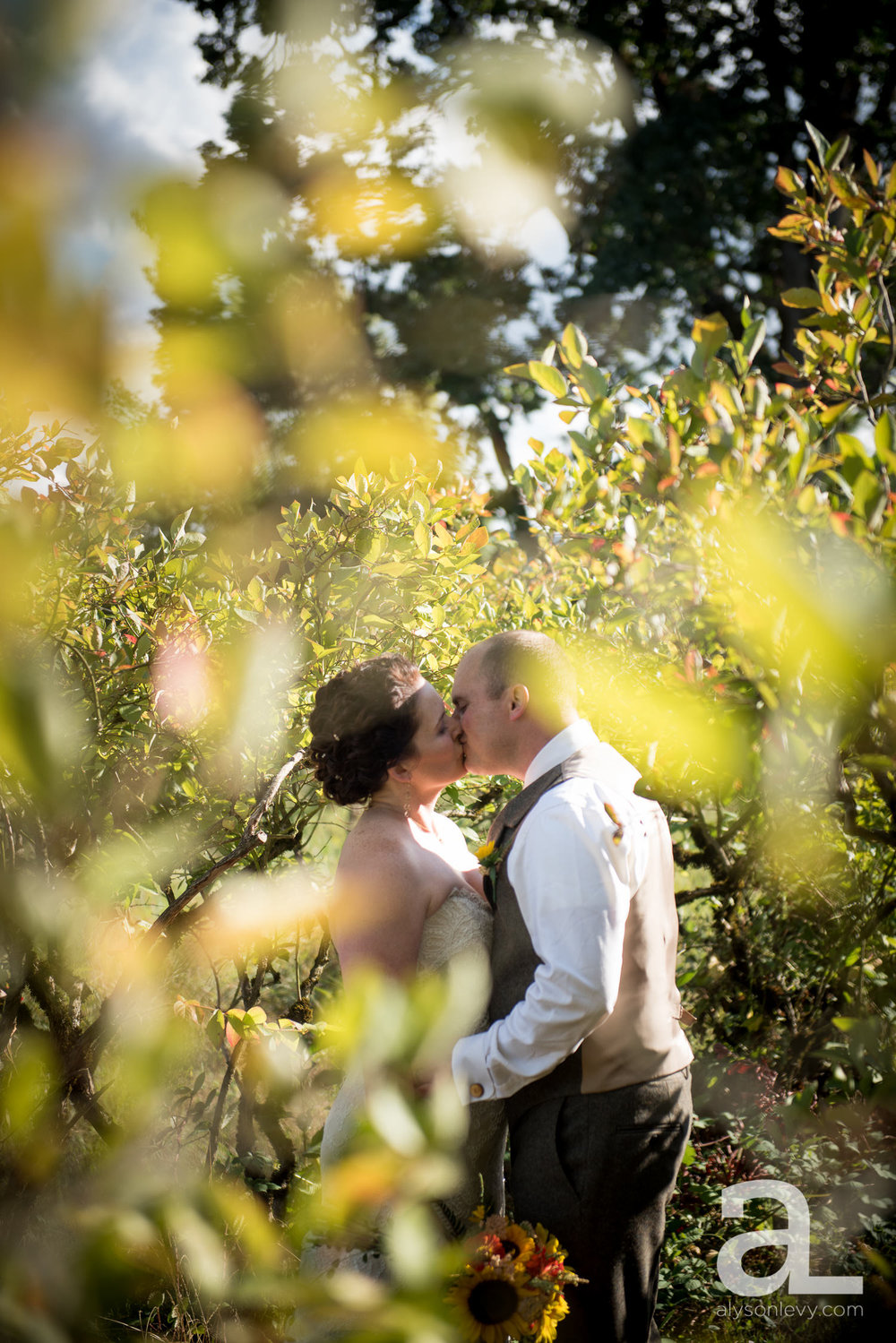 Krugers-Farm-Sauvie-Island-Wedding-Photography-009.jpg