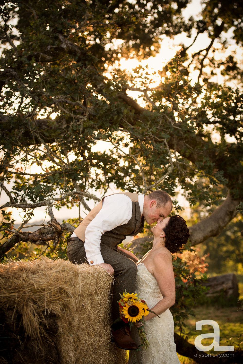 Krugers-Farm-Sauvie-Island-Wedding-Photography-023.jpg