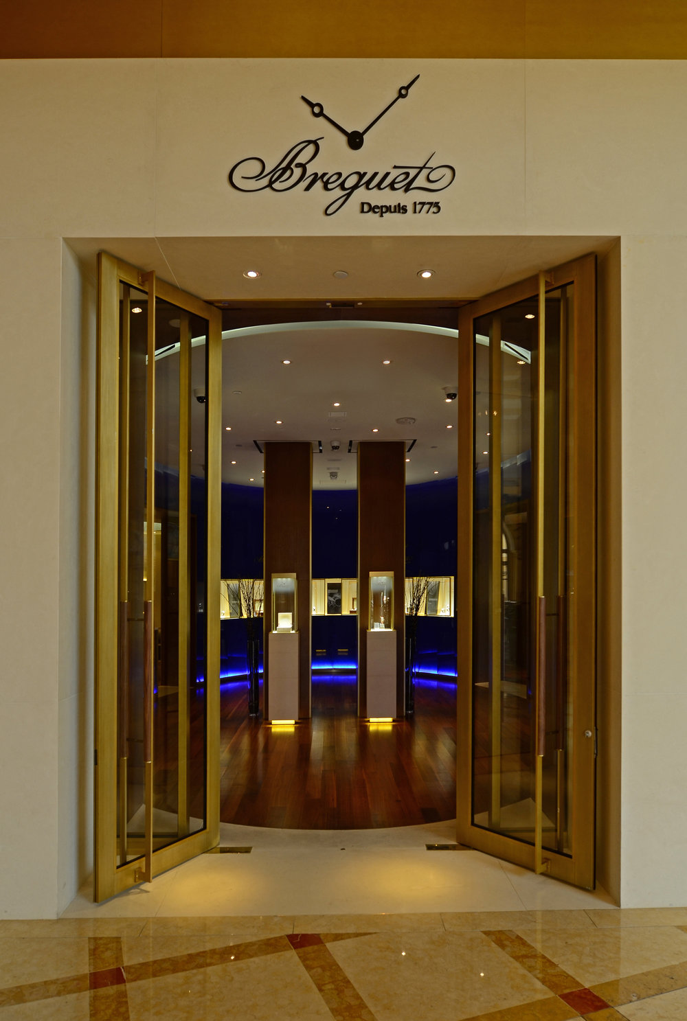 Breguet Bellagio 04.jpg