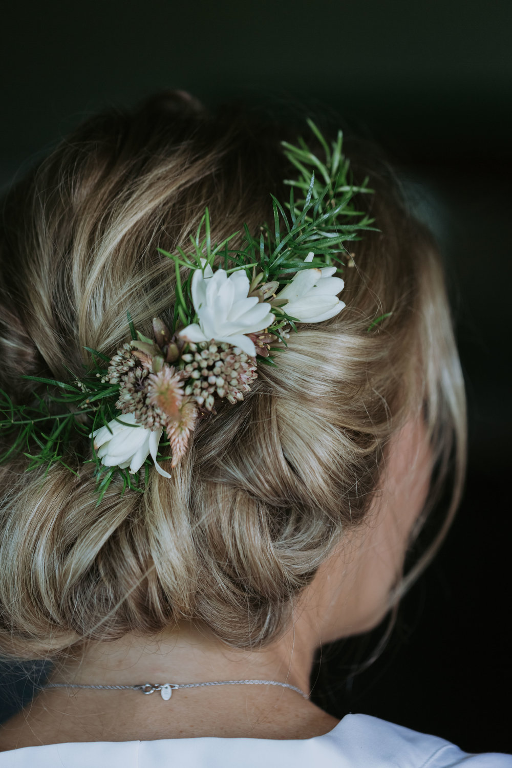Brides flower crown photo. Wedding details.