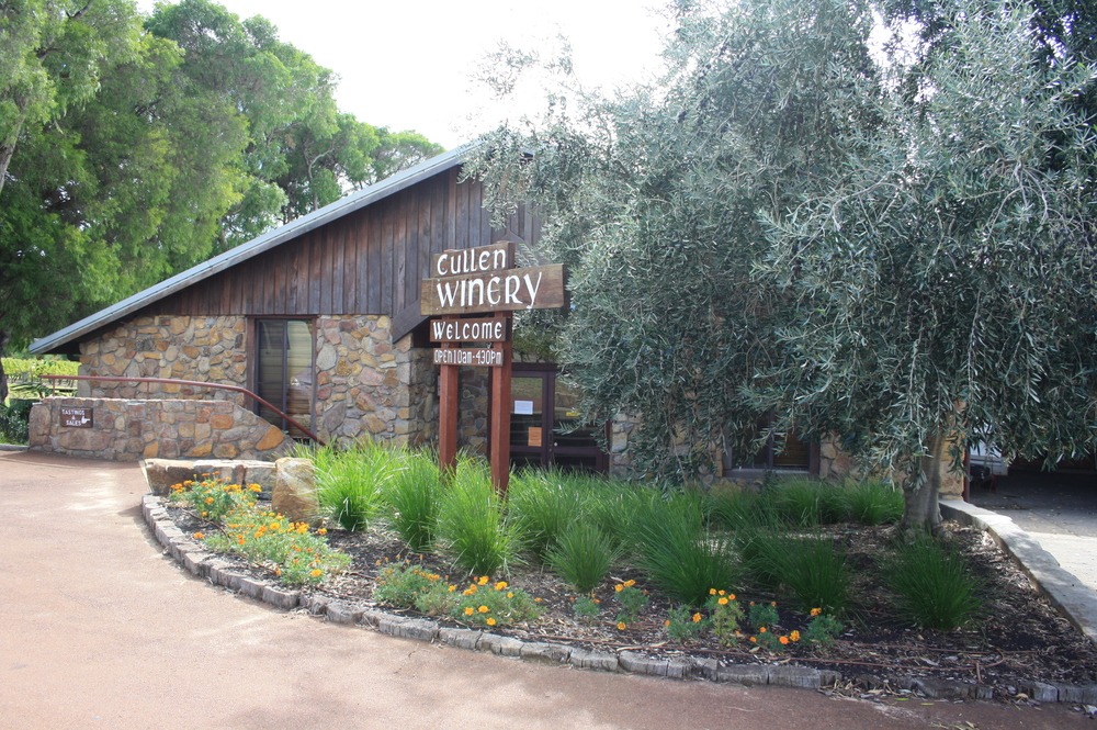 cullen winery.JPG